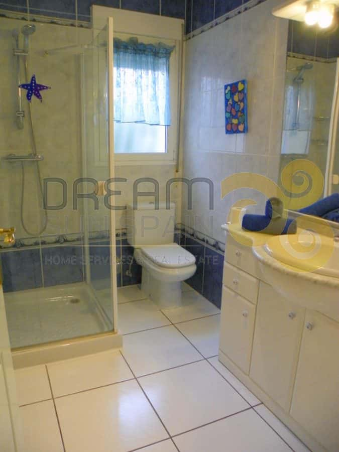Cuarto de baño con duchaBathroom with shower