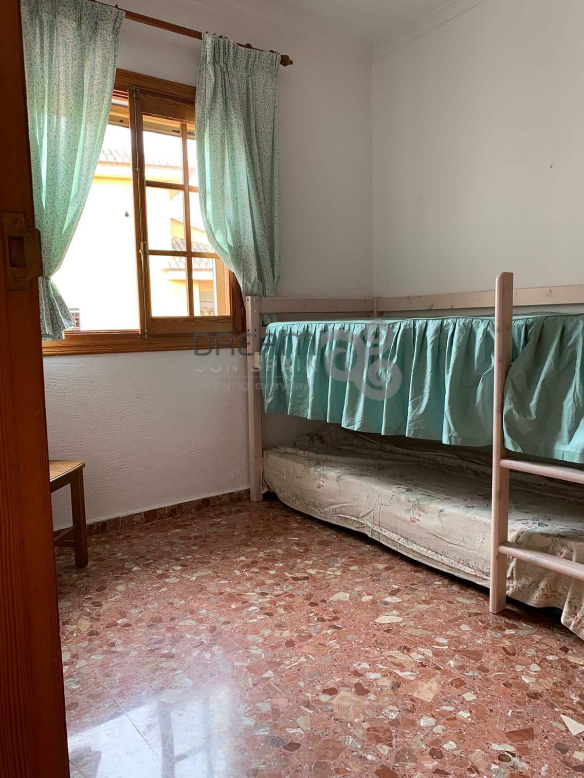 Adosado con 4 dormitorios y piscina privada