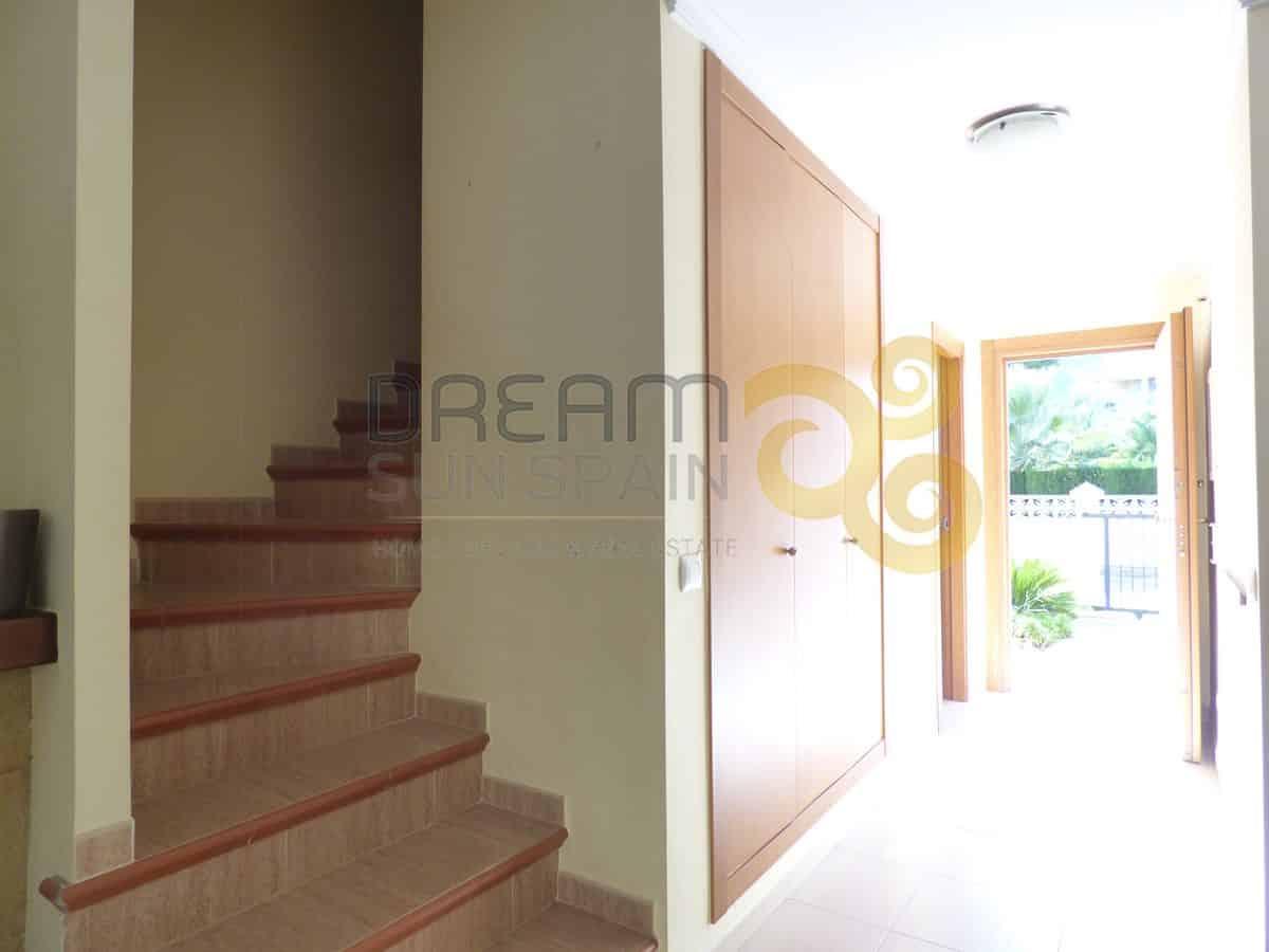 adosado-duplex-de-3-dormitorios-en-denia