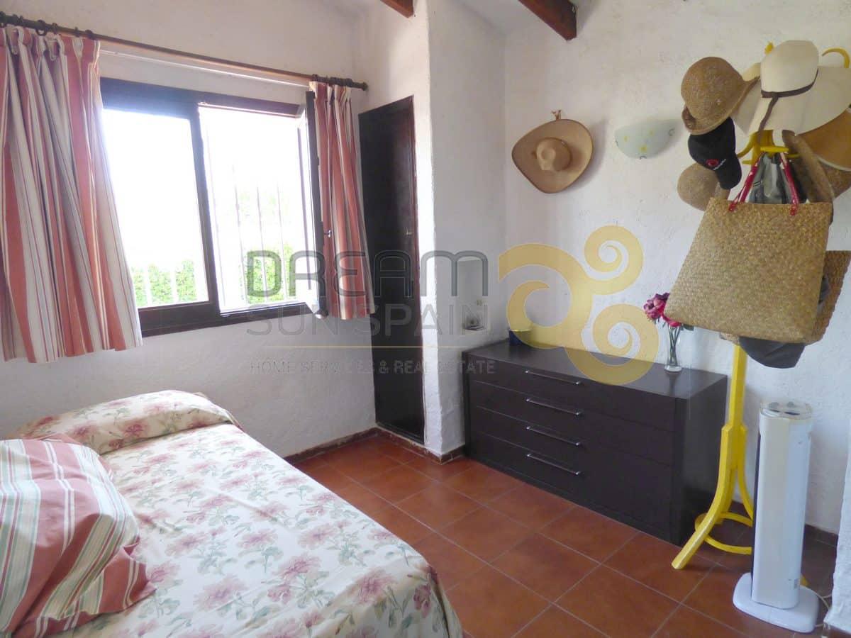 Chalet de 3 dormitorios en Denia