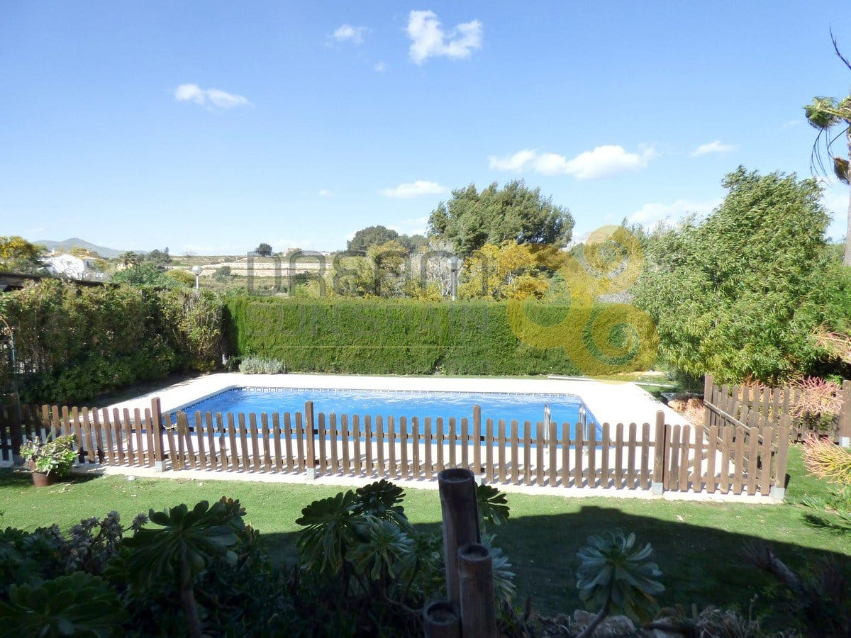 chalet-independiente-en-javea