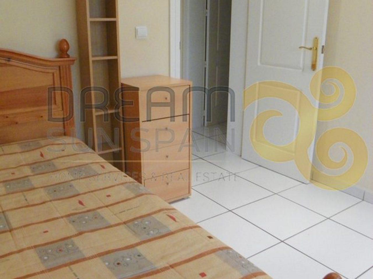 2º dormitorio - con aire acondicionadoSecond bedroom - airconditioned