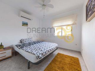apartamento-de-2-dormitorios-en-la-playa-de-las-marinas-en-denia