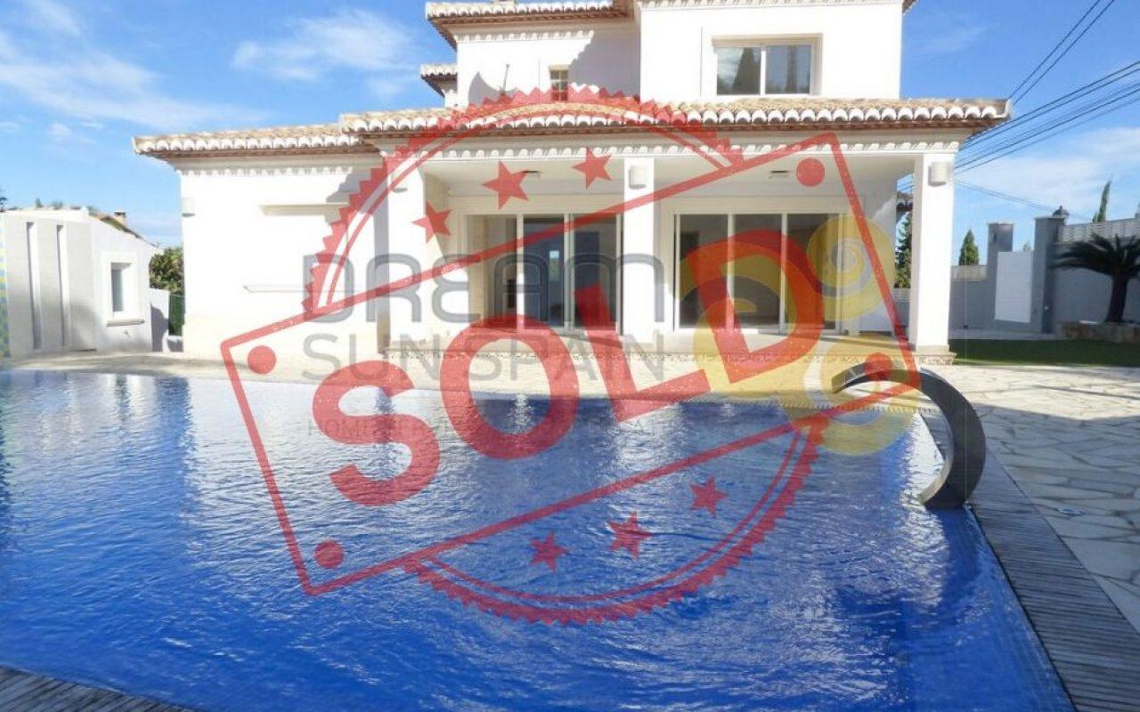 Chalet en Denia con increíbles vistas y piscina privada