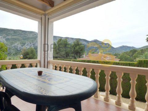 Villa con jardín y terraza en Monte Solana, Pedreguer