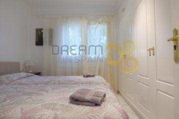 villa-de-5-dormitorios-denia