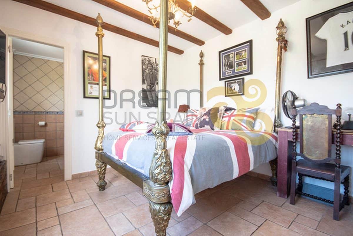 Villa de 6 dormitorios | BENIDOLEIG